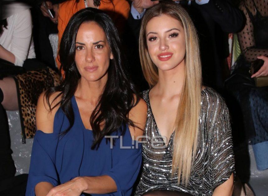 Δανάη Λιβιεράτου: Είναι μία κούκλα! – Μαζί με την μαμά της, Εύη Αδάμ, έδωσαν το παρών σε fashion show [pics] | tlife.gr