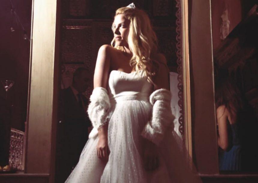 Τζένη Μελιτά: Σαν νύφη βγαλμένη από παραμύθι σε ένα πρωτότυπο πάρτι γενεθλίων στο κέντρο της Αθήνας! (pics,video) | tlife.gr