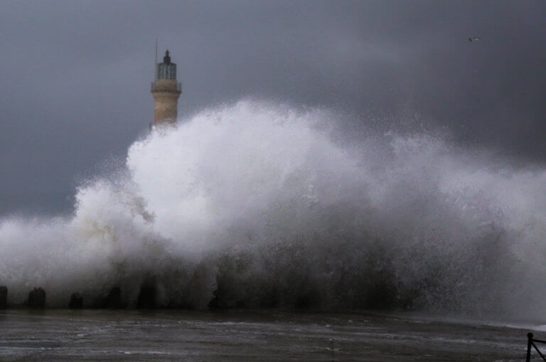 Καιρός: Βροχερό Σαββατοκύριακο – Η πρόβλεψη για την Μεγάλη Εβδομάδα [video] | tlife.gr