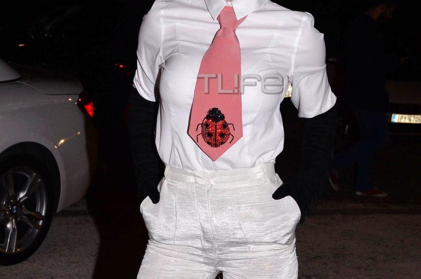 Ποια celebrity έκανε αυτή την εμφάνιση στο πάρτι γνωστού περιοδικού; [pics]   tlife.gr