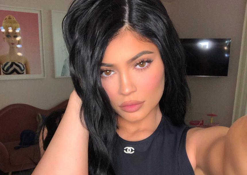 Kylie Jenner: Φωτογραφίες – φωτιά… στην πισίνα με τον σύντροφο της Travis Scott! [pics] | tlife.gr