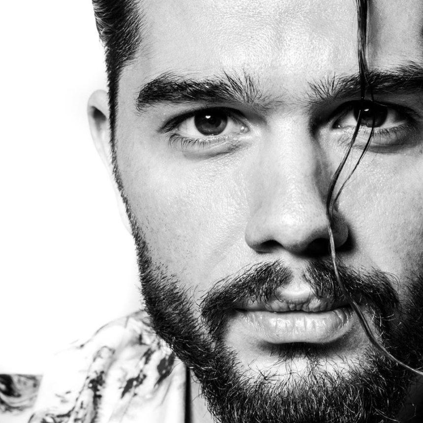 Ο Χρήστος Μάστορας μας παρουσιάζει το νέο του τραγούδι «Δεν έχω ιδέα»! video | tlife.gr
