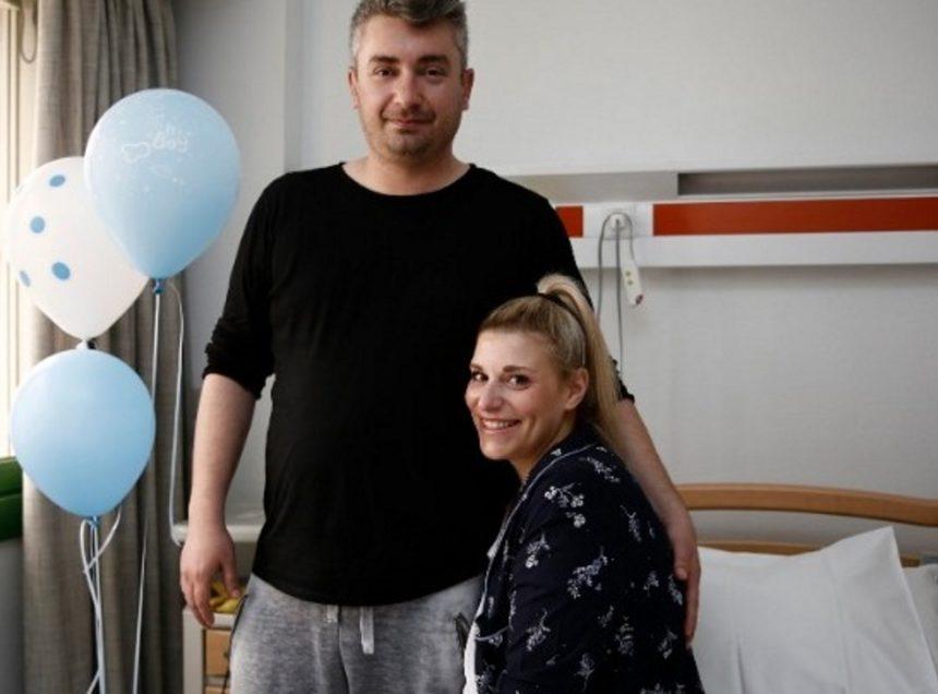 Μ. Καραβοκύρη: Η γυναίκα που έγινε μητέρα με την πρωτοποριακή ελληνική τεχνική στην πρώτη της συνέντευξη | tlife.gr