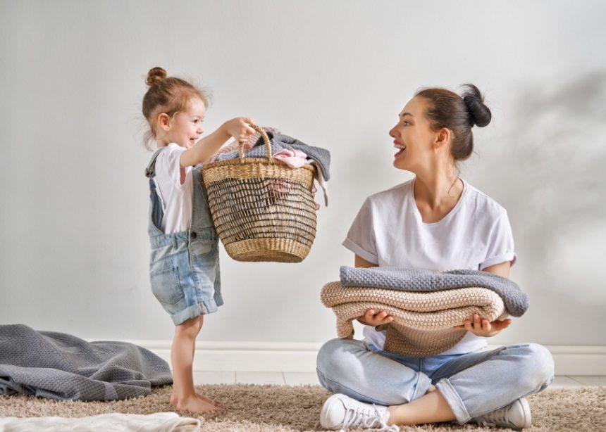 Ο Δρ. Σπύρος Μαζάνης εξηγεί γιατί πρέπει να πλένονται καλά τα καινούρια ρούχα των παιδιών | tlife.gr