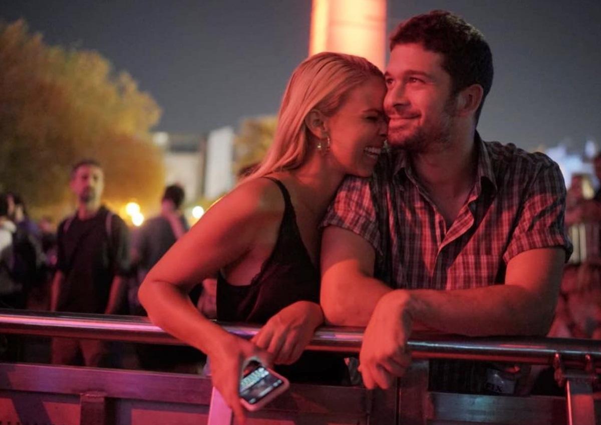 Το τρυφερό φιλί της Τζένης Μελιτά με τον σύντροφό της, Σπύρο Μαργαρίτη και το δημόσιο μήνυμα! [pic]