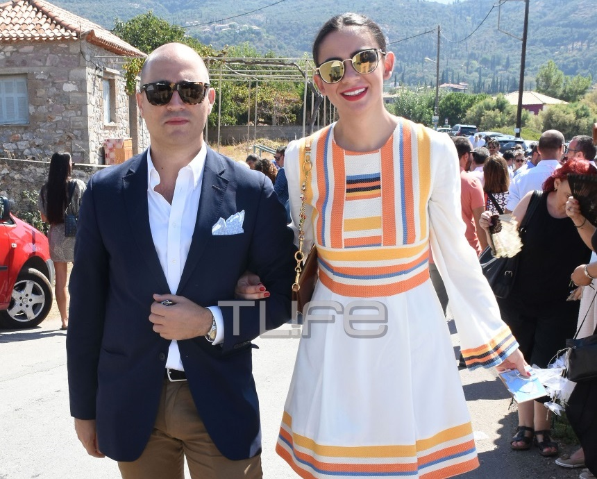 Κωνσταντίνος Μπογδάνος – Έλενα Καρβέλα: Αυτή είναι η ημερομηνία του γάμου τους! Video
