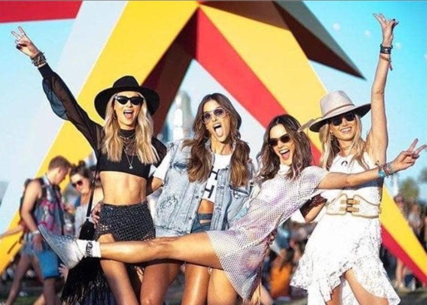 Αυτά είναι τα 3 αξεσουάρ που λατρεύουν τα Coachella girls | tlife.gr