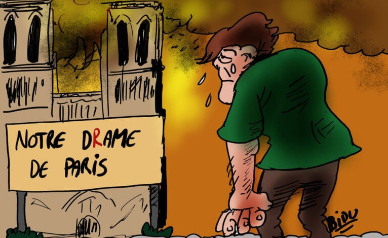 Τα δάκρυα του Κουασιμόδου και της Εσμεράλδα για τη λατρεμένη τους Παναγία των Παρισίων – Τα σκίτσα που συγκλονίζουν | tlife.gr