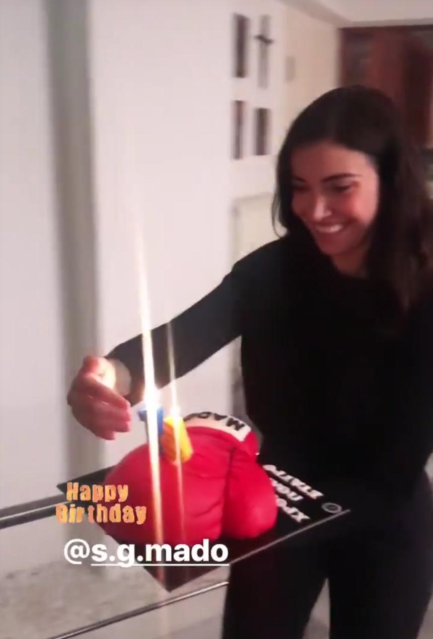 Όλγα Φαρμάκη: Το ξεχωριστό party που ετοίμασε για τα γενέθλια του συντρόφου της και το τρυφερό φιλί που αντάλλαξαν! [pics]