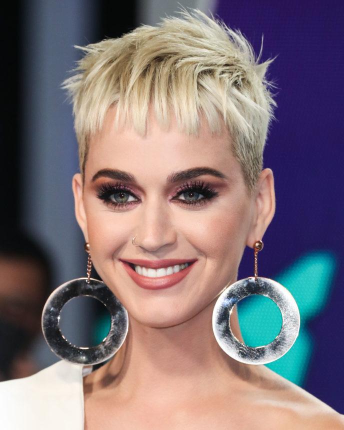 Η Katy Perry άλλαξε τα μαλλιά της και είναι ένας άλλος άνθρωπος! | tlife.gr