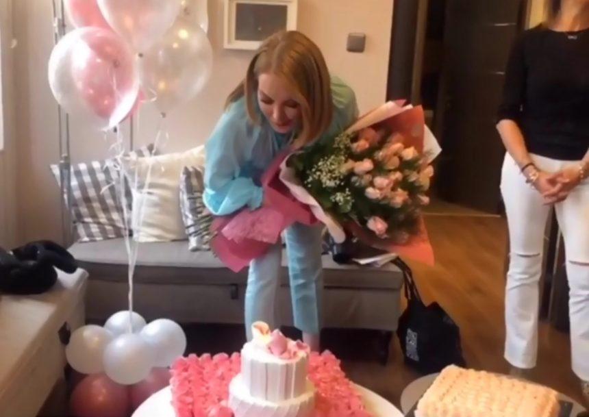 Τατιάνα Στεφανίδου: Η έκπληξη που της ετοίμασε η ομάδα του «Μαζί σου» για τα γενέθλιά της! [video] | tlife.gr