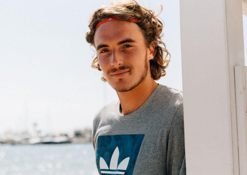 Ατύχημα για τον Στέφανο Τσιτσιπά: Τράκαρε με αμάξι του γκολφ   tlife.gr