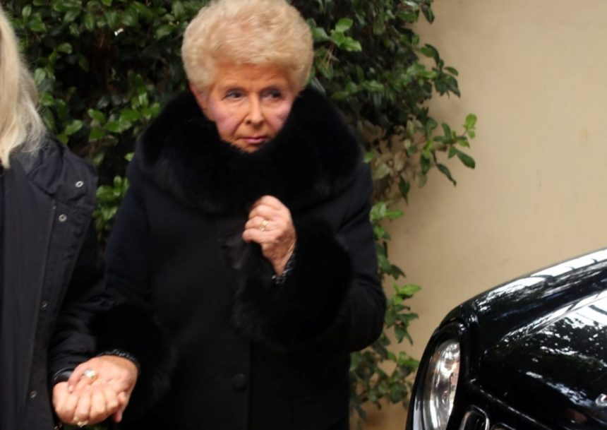 Στα δικαστήρια με γνωστό παρουσιαστή η Βέφα Αλεξιάδου – Τι συνέβη; | tlife.gr