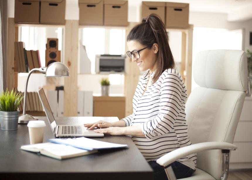 Pregnancy alert! Πώς θα ανακοινώσεις σε πέντε βήματα την εγκυμοσύνη σου στην εργασία σου