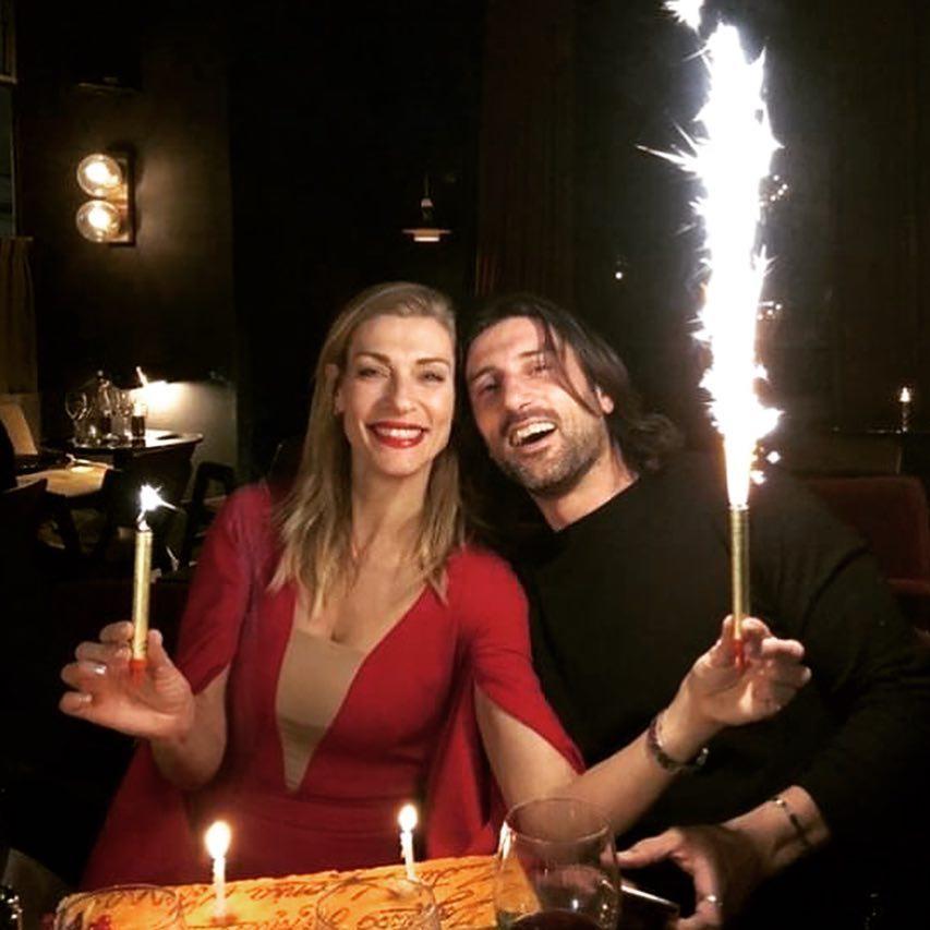 Ζέτα Δούκα: Η έκτη επέτειος γάμου με τον Μιχάλη Χατζαντωνά και η δημόσια ερωτική εξομολόγηση! | tlife.gr