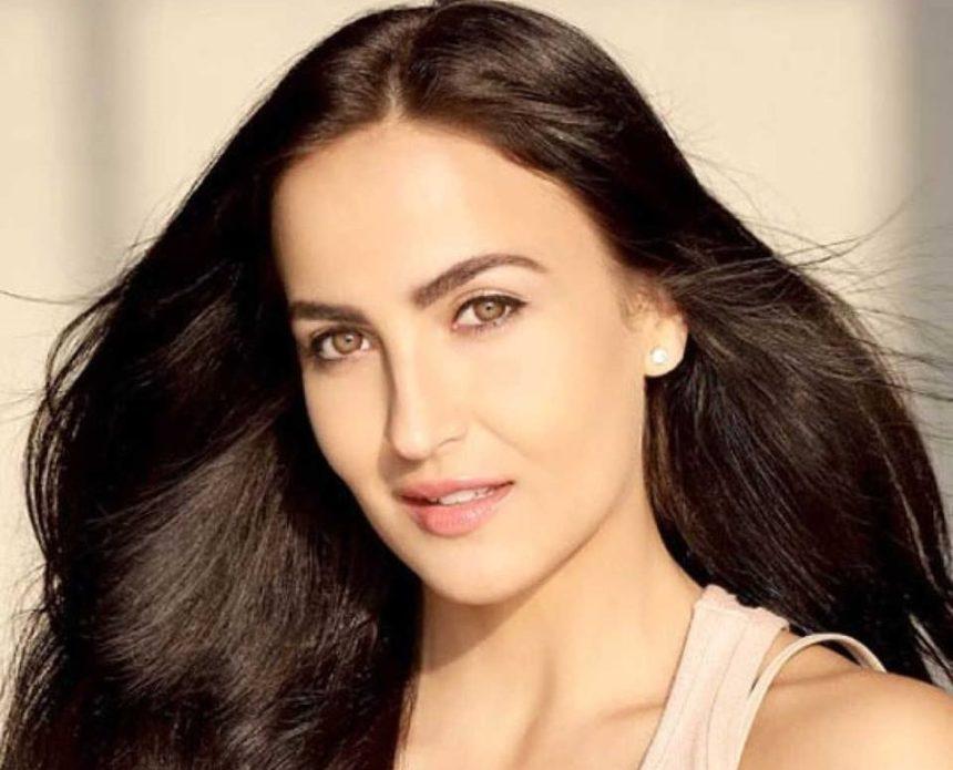 Η Ελληνίδα καλλονή που κατέκτησε το Bollywood στο «Μαζί σου» ! Video