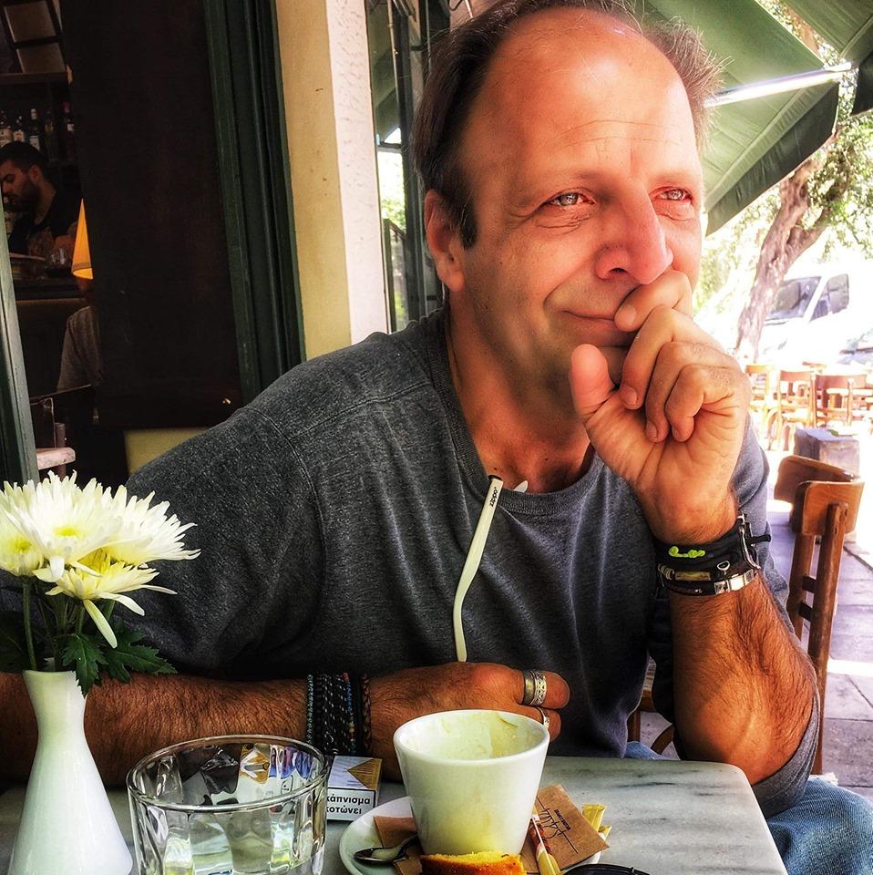 Δημήτρης Αποστόλου: Τι συνέβη όταν λιποθύμισε χθες στη μέση του δρόμου!
