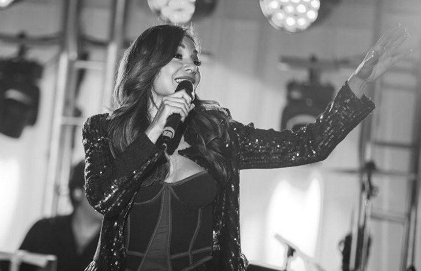 Δέσποινα Βανδή: Προκάλεσε χαμό σε συναυλία της στο Birmingham της Αγγλίας! Φωτογραφίες | tlife.gr