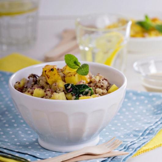 Κινόα με ανανά και χτυπημένα αυγά στο τηγάνι | tlife.gr