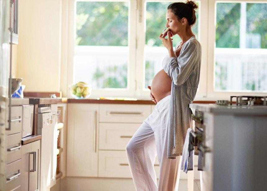 Ένας οδηγός για να ξέρεις πόσα κιλά πρέπει να πάρεις κατά τη διάρκεια της εγκυμοσύνης | tlife.gr