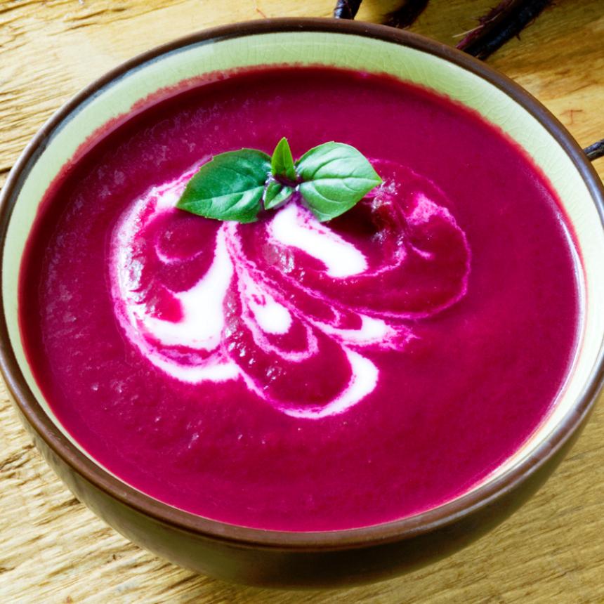 Πικάντικη σούπα με παντζάρια και μυρωδάτο γιαούρτι