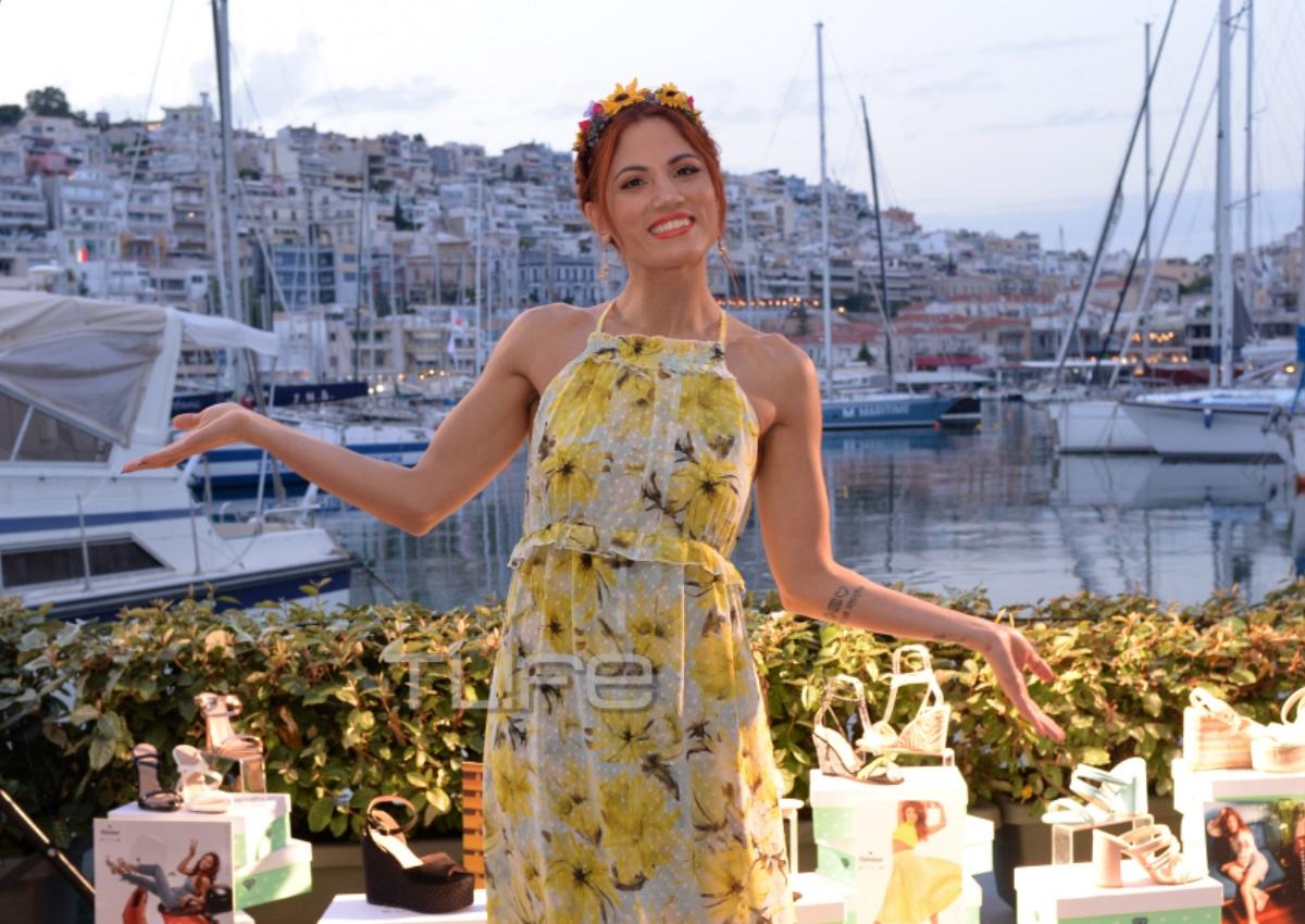 Μαίρη Συνατσάκη: Παρουσίασε τη νέα συλλογή παπουτσιών της με τον σύντροφό της στο πλευρό της! [pics]