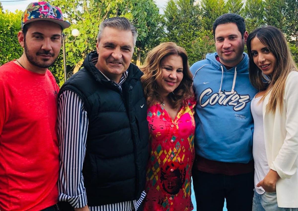Δέσποινα Μοιραράκη: Γιόρτασε τα γενέθλιά της με την οικογένειά της! [pics]