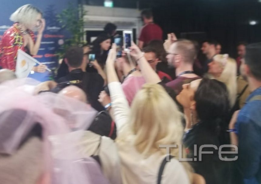 Eurovision 2019: Η 23χρονη κόρη της Τάμτα στα παρασκήνια του Α' ημιτελικού! [pics] | tlife.gr
