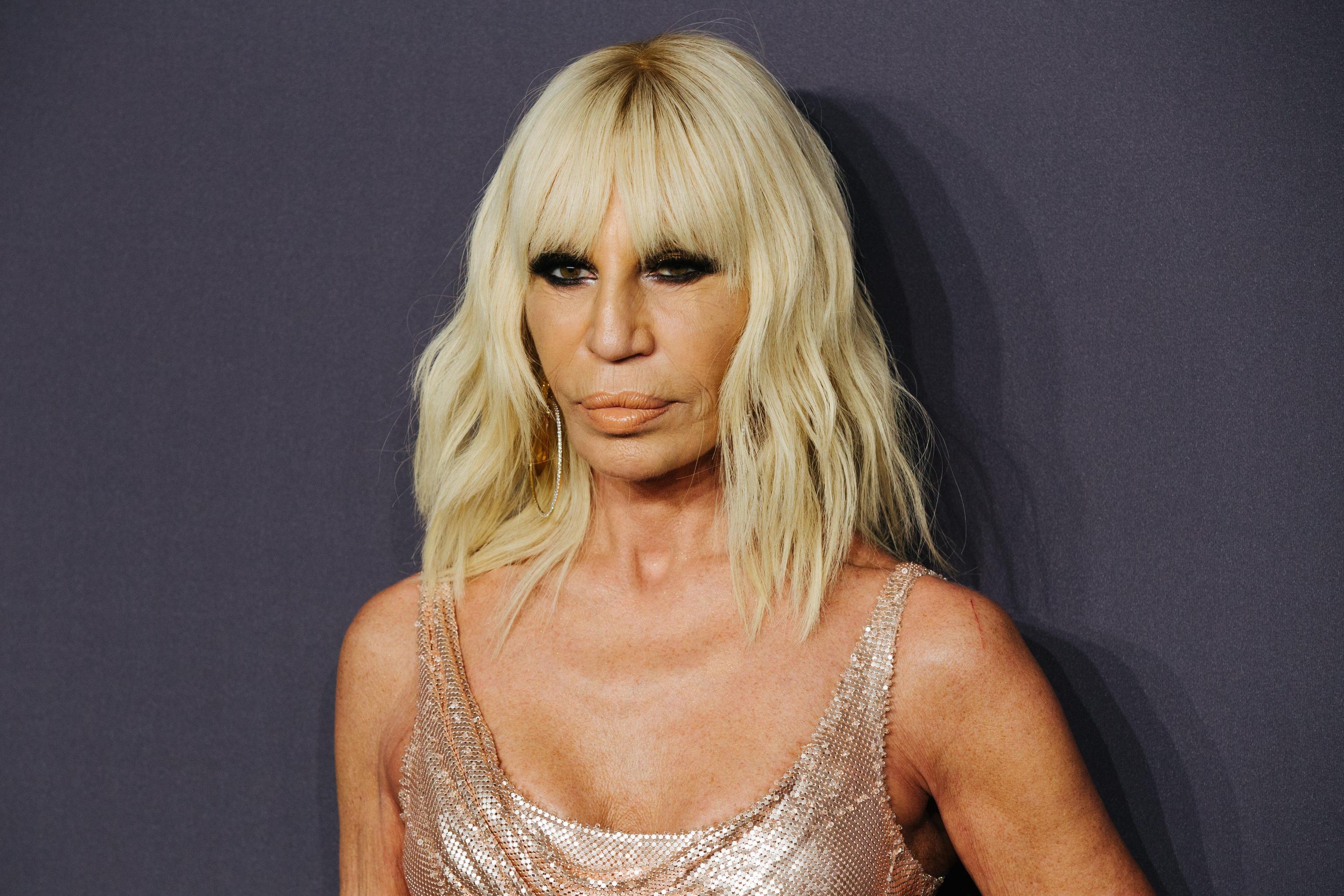 Η Donatella Versace σχεδίασε φόρεμα αποκλειστικά για γνωστή Ελληνίδα! [pics]
