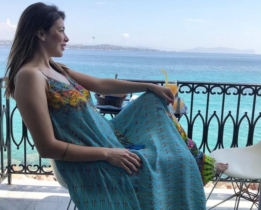 Ελένη Χατζίδου: Ποζάρει με μίνι φόρεμα και αποκαλύπτει πόσα κιλά έχει πάρει μέχρι στιγμής στην εγκυμοσύνη της! [pic]