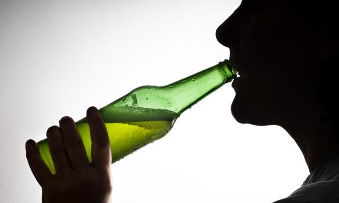 Δραστική ουσία στο καρκινογόνο Roundup βρέθηκε στο 95% από μπίρες και κρασιά – Κάποιες μάρκες πωλούνται ευρέως και στην Ελλάδα! | tlife.gr