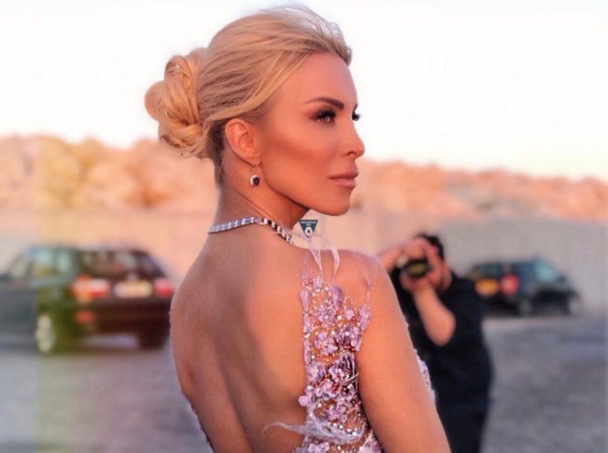 Κατερίνα Καινούργιου: Απαστράπτουσα εμφάνιση σε επίδειξη μόδας στην Κύπρο! | tlife.gr