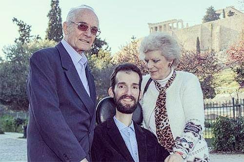 Στέλιος Κυμπουρόπουλος: 10 και μια φωτογραφίες από την ενδιαφέρουσα ζωή του μεγάλου νικητή των ευρωεκλογών!