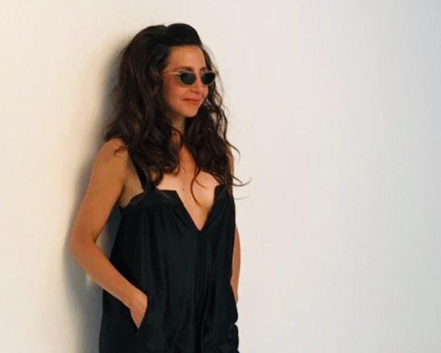 Μαρία Ελένη Λυκουρέζου: Σε ρόλο μοντέλου για τα ρούχα που φέρουν την υπογραφή της! Φωτογραφίες