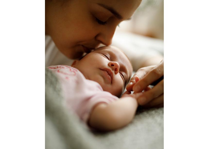 Έμπειρες μαμάδες δίνουν συμβουλές σε μητέρες με νεογέννητα!