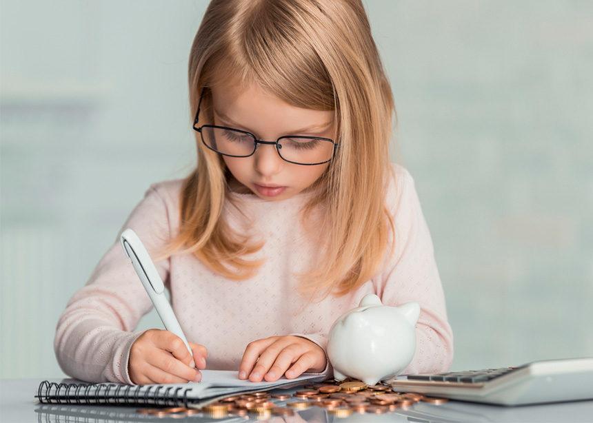 4 τρόποι για να διδάξεις στο παιδί σου την αξία των χρημάτων | tlife.gr