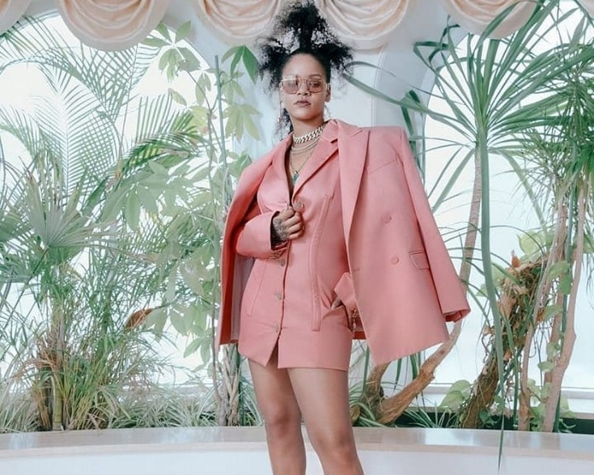H Rihanna μετακόμισε στο Λονδίνο! Γιατί ενθουσιάστηκαν οι θαυμαστές της;