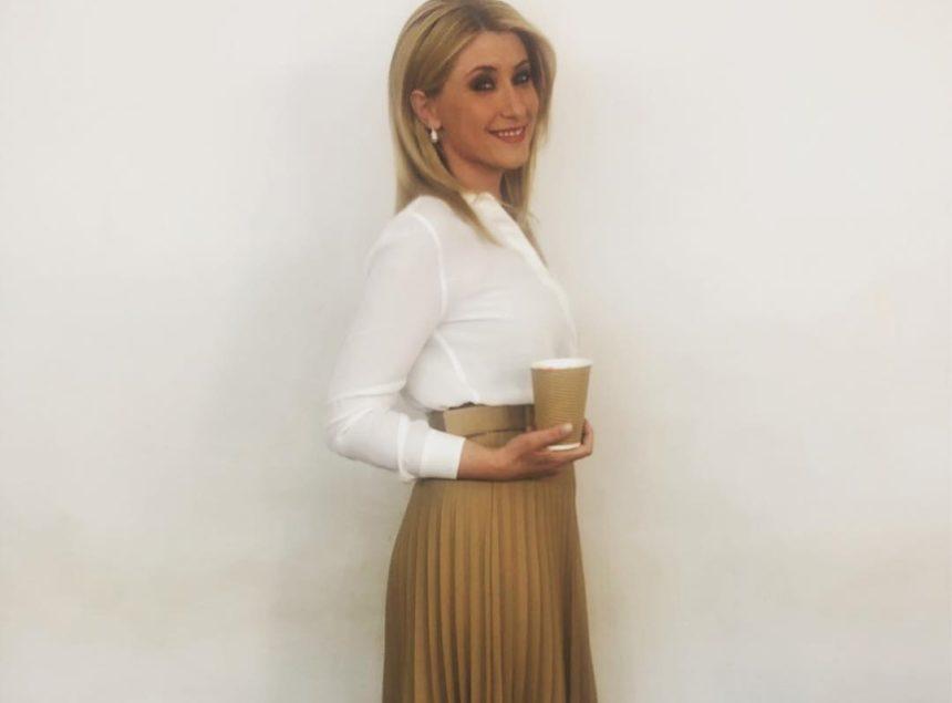 Σία Κοσιώνη: Σβήνει τα κεράκια για τα γενέθλιά της με τον Κώστα Μπακογιάννη στο πλευρό της! [pic] | tlife.gr