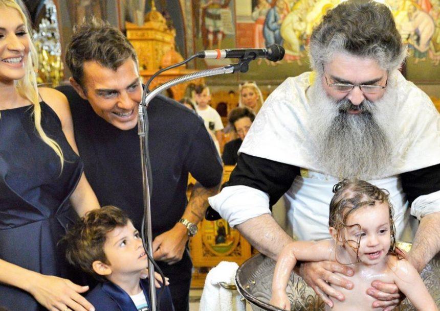 Στέλιος Χανταμπάκης – Όλγα Πηλιάκη: Το φωτογραφικό άλμπουμ της βάφτισης της κόρης τους, Μαλένας! | tlife.gr