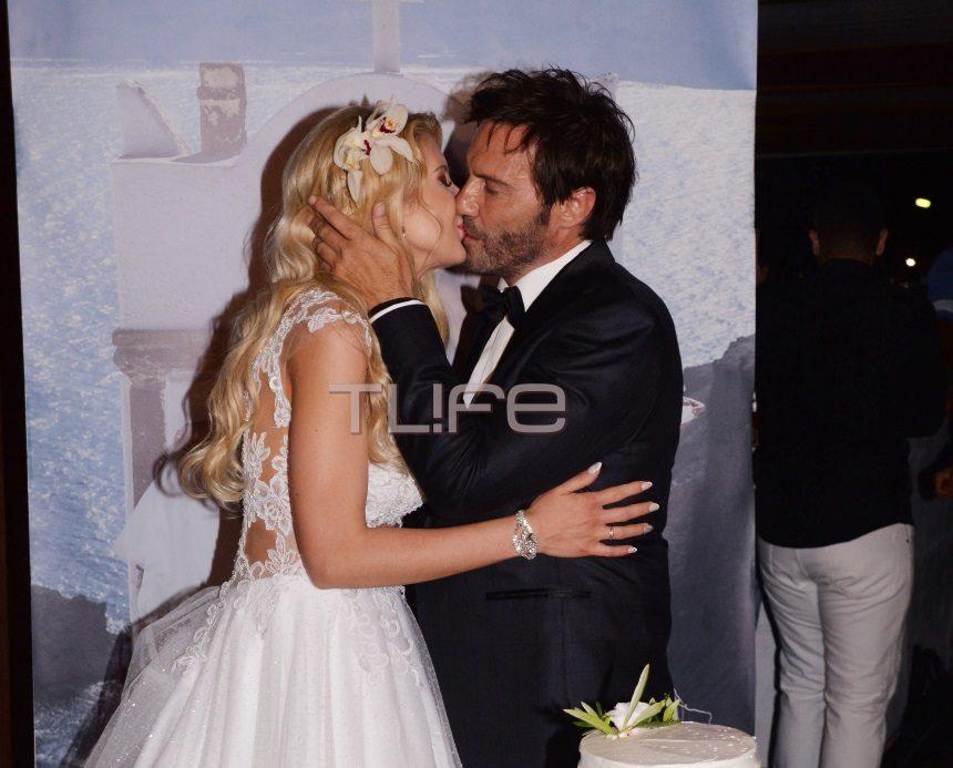 Στράτος Τζώρτζογλου-Σοφία Μαριόλα: Αποκλειστικές φωτογραφίες και βίντεο από το γαμήλιο γλέντι! | tlife.gr