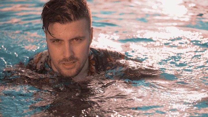 «Μακριά σου δε ζω» : Νέο τραγούδι και video clip από τον Κωνσταντίνο Νάζη! | tlife.gr