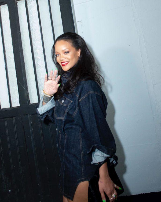 Η Rihanna αποφάσισε να μην ρετουσάρει τα μοντέλα της και είμαστε ενθουσιασμένες! | tlife.gr