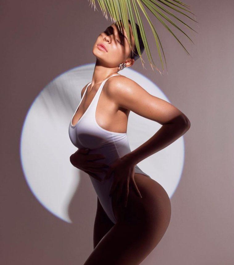 Η Kylie Jenner θα κυκλοφορήσει αντηλιακό! | tlife.gr