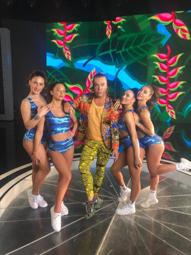 Τρύφωνας Σαμαράς: Μόλις κυκλοφόρησε το «It's amazing» video clip του! | tlife.gr