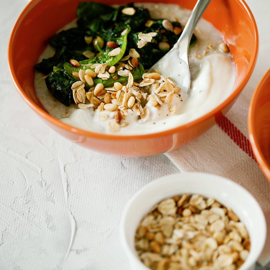 Συνταγή για αλμυρή βρώμη με σπανάκι