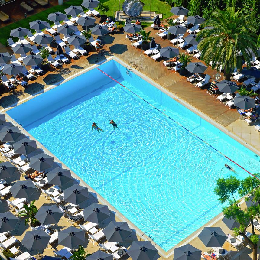 Πισίνα Hilton: Διακοπές στο κέντρο της Αθήνας   tlife.gr