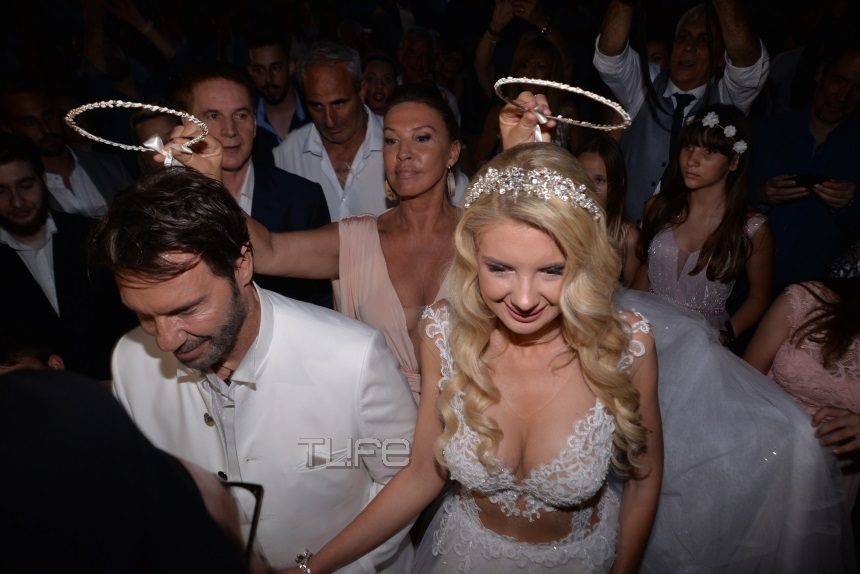 Στράτος Τζώρτζογλου–Σοφία Μαριόλα: Τα βίντεο του γάμου τους στην Κρήτη!