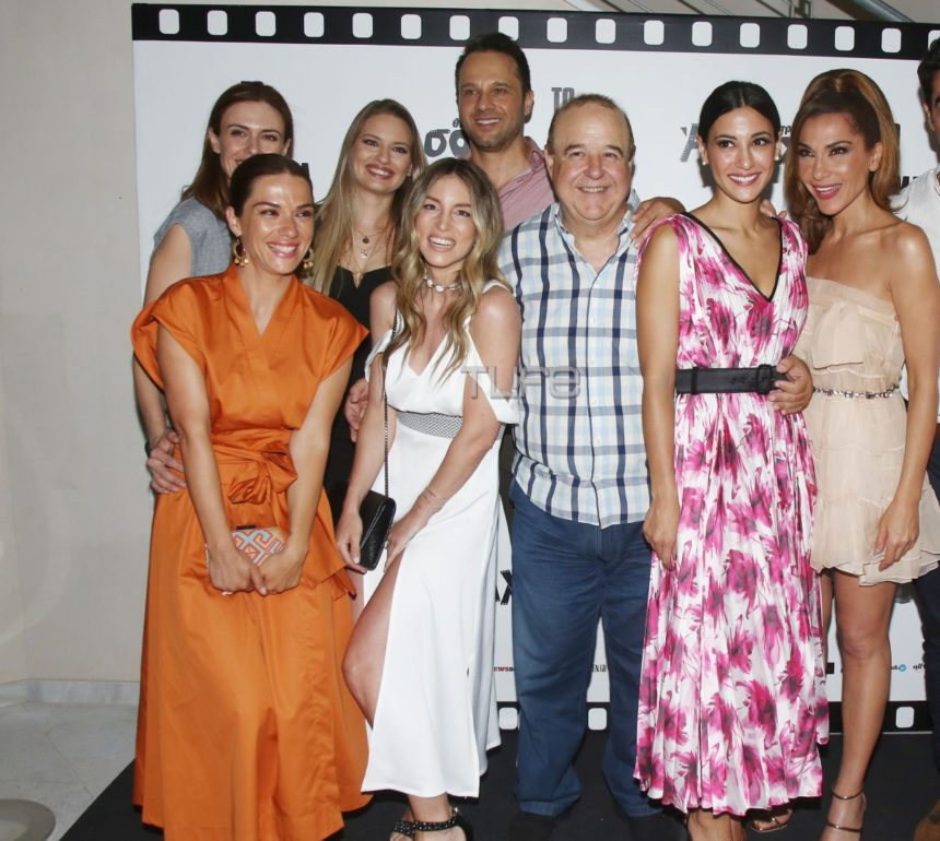 «Το δικό μας σινεμά»: Πλήθος επωνύμων στην επίσημη πρεμιέρα του θεατρικού μιούζικαλ! Φωτογραφίες | tlife.gr