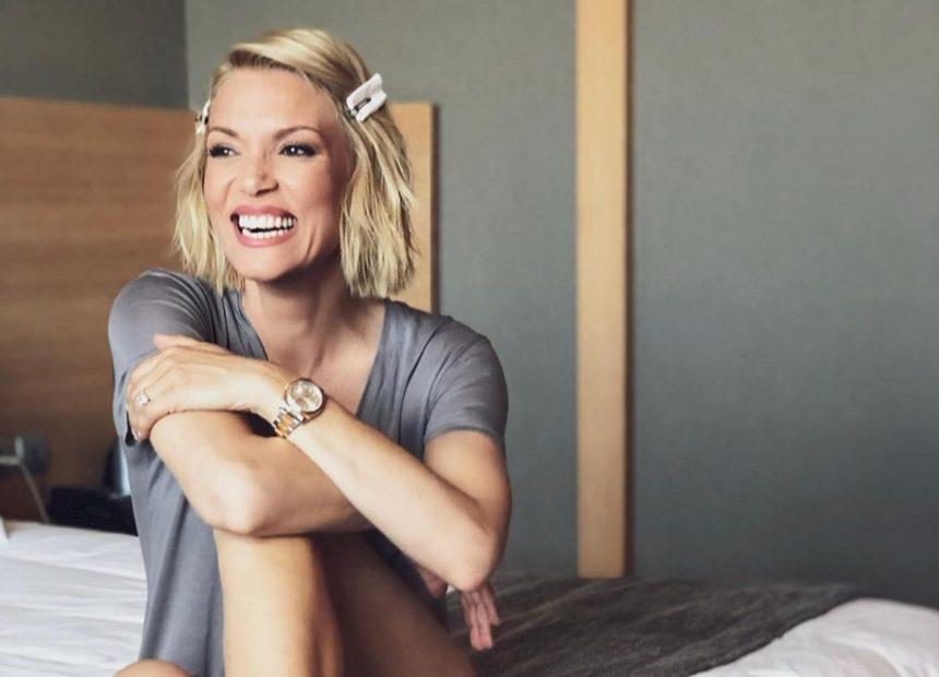 Βίκυ Καγιά: Κάνει κούνια με τα παιδιά της και πραγματικά το απολαμβάνει! | tlife.gr