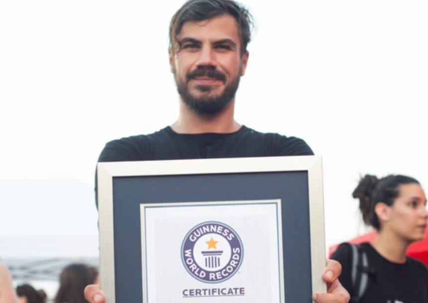 Άκης Πετρετζίκης: Μπήκε στο βιβλίο Guinness – Δες για ποιο λόγο!   tlife.gr